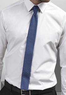 Slim knitted tie